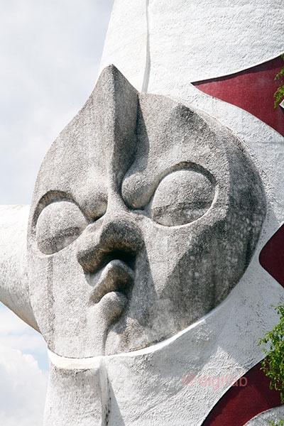 太陽の塔の顔